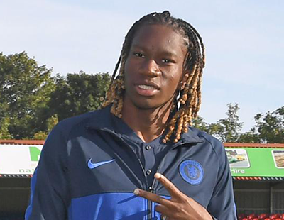 Tariq helps Chelsea lead top of the table